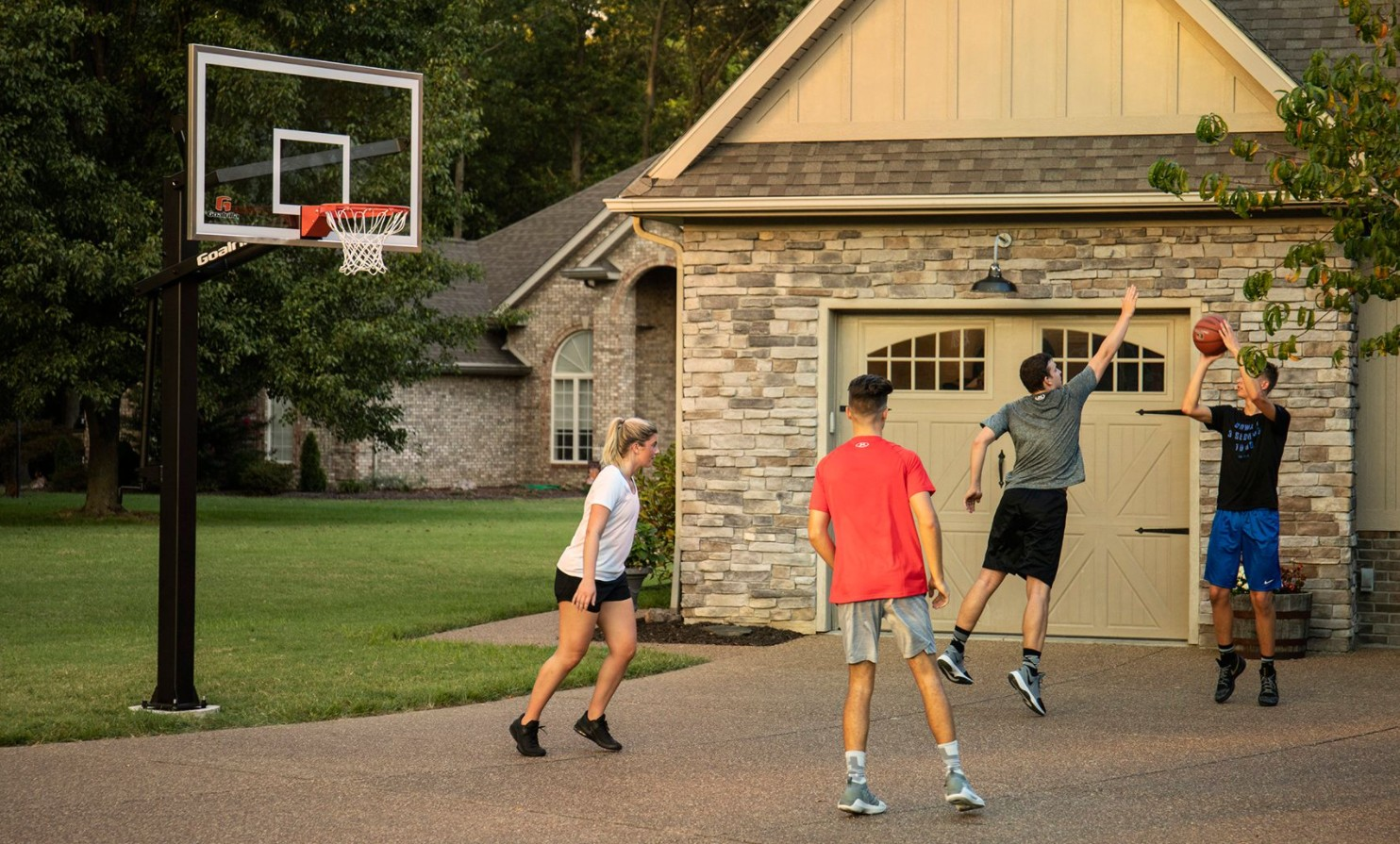 Choosing the Best Home Basketball Hoop for Your Home